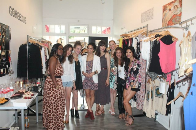 Sasha Maks Vintage  Pop Up with local fashino bloggers at FashionElles