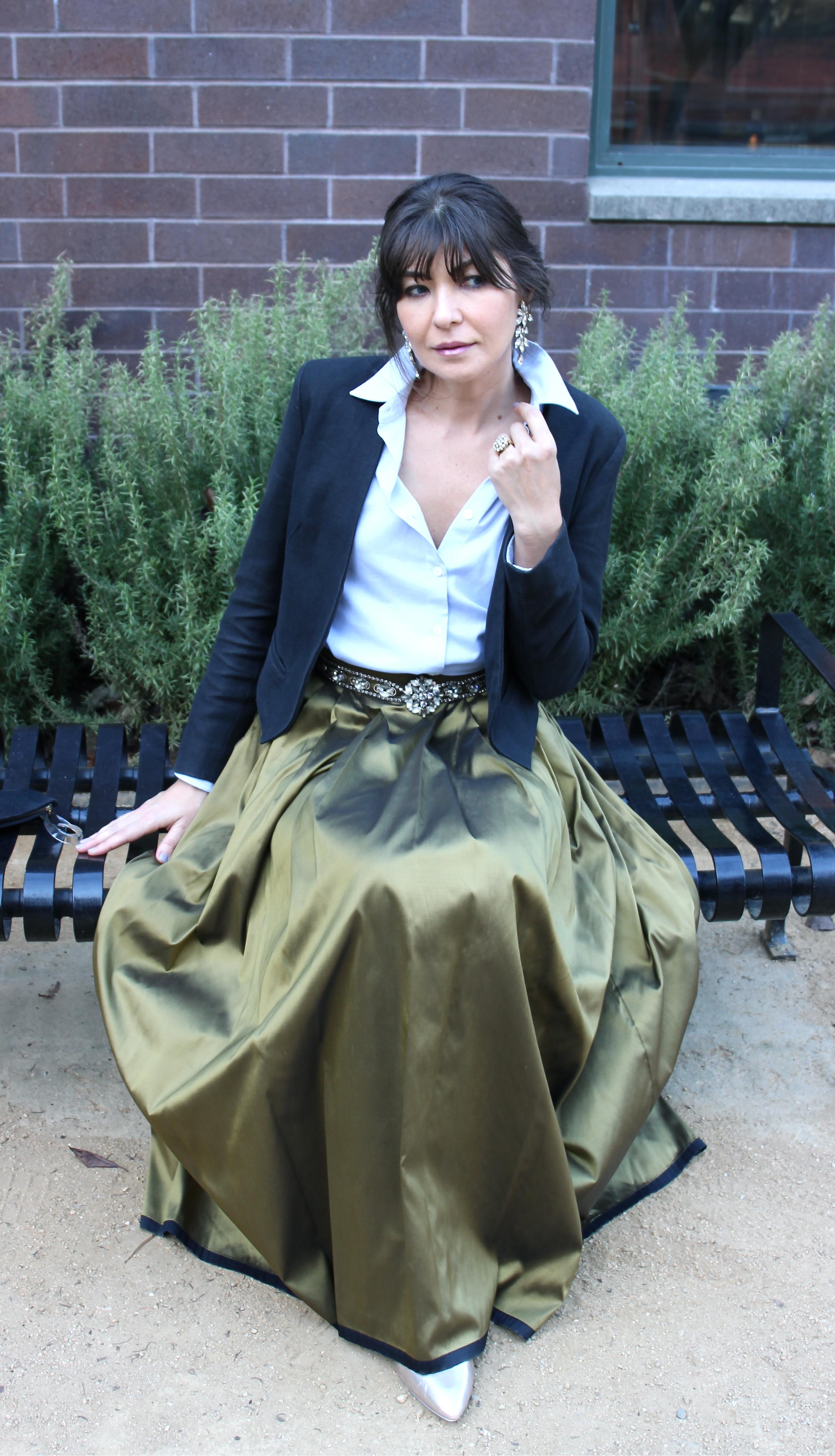 Moda Vive maxi skirt and Sasha Maks Vintage Kenneth Lane belt.