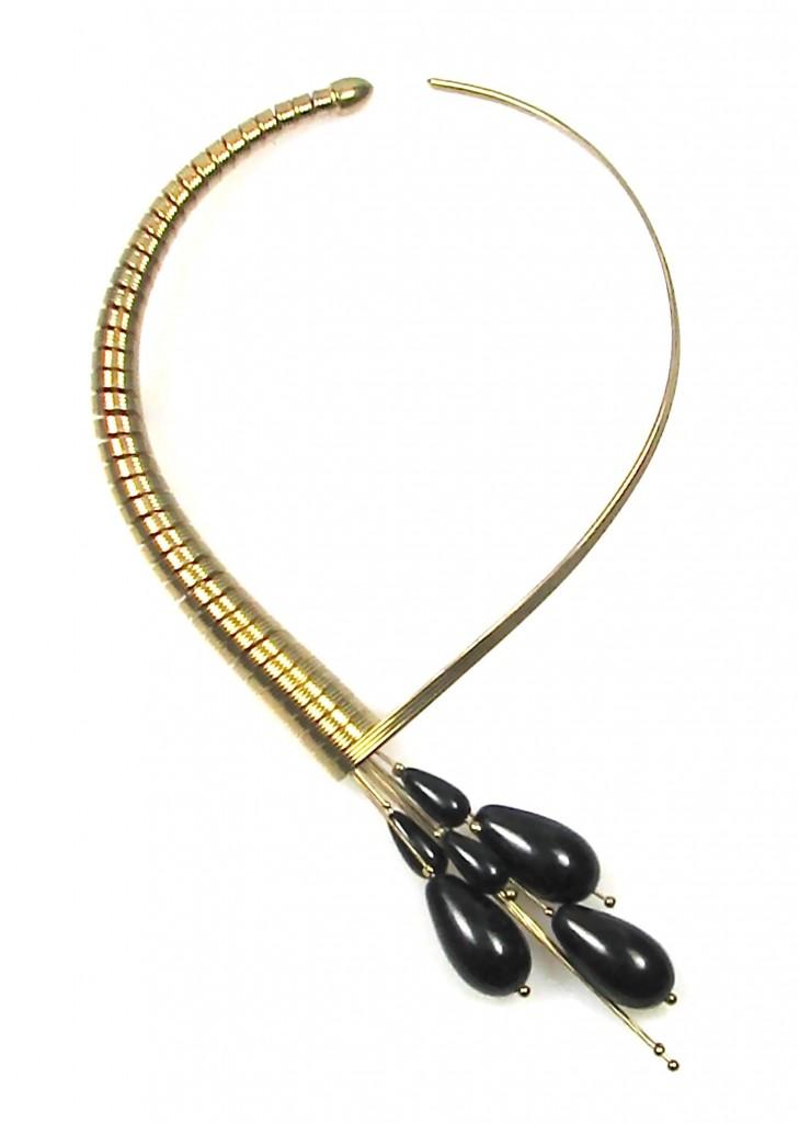 Spray Choker Necklace