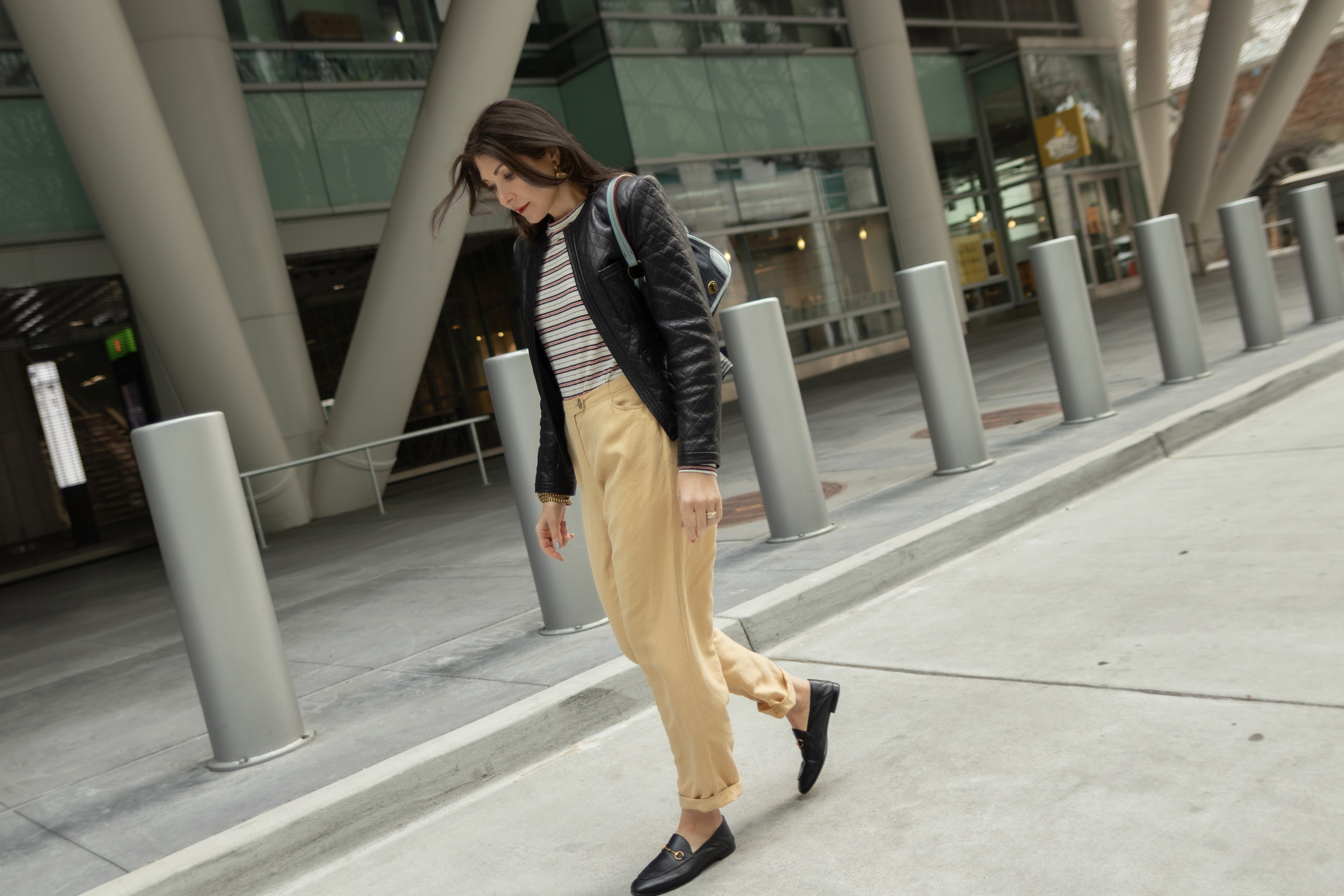 Striped top and wide leg pants.